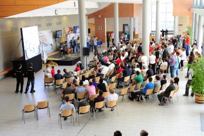 Tésztahíd építő világbajnokság az Óbudai Egyetemen