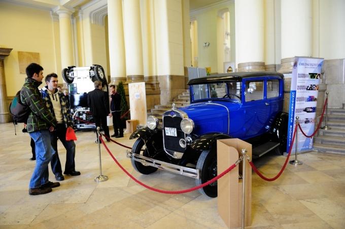 Az Óbudai Egyetem Ford A-modellje a műegyetem kiállításán