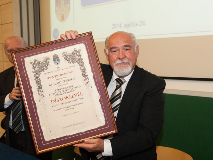 A rektori feladatok ünnepélyes átadása az egyetemi közgyűlésen