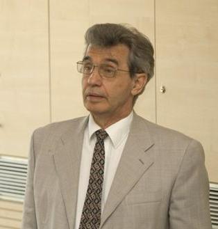 Dr. Roska Tamás professzor
