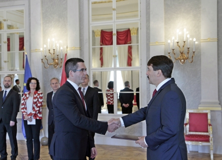 Átvette rektori megbízólevelét Prof. Dr. Kovács Levente
